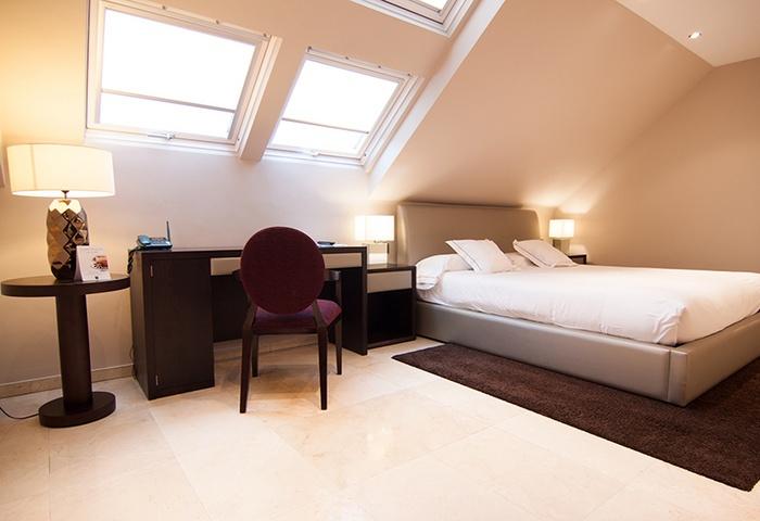 Hotel san pedro langreo asturias buhardilla deluxe - Habitaciones en buhardillas ...